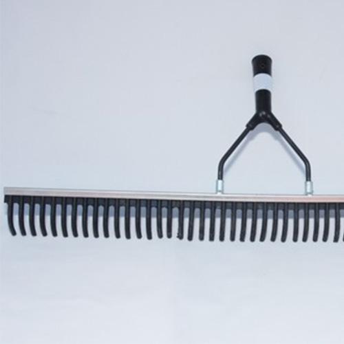 Rubberen hark 75 cm, inclusief steel. Prijs per stuk