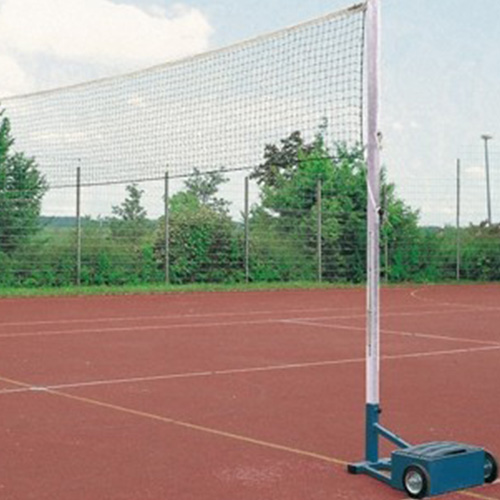 Multifuntionele speelpalen zijn speciaal voor alle net sporten ontwikkelt.  zowel binnen als buiten te gebruiken.  De speelpalen bestaan uit 2 basis voetstukken met een gewicht van ca 60 kg en twaalf systeemgewichten(kunststof omhuld) van 10 kg.  Rubbe