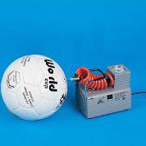 Voor het snel oppompen van de voetballen. maximale druk ca 5,5 bar. ca 25 sec/bal. afmeting :20 x 12 x 14 cm. aansluiting 220/240 volt. Zonder luchtpistool. Prijs per stuk.